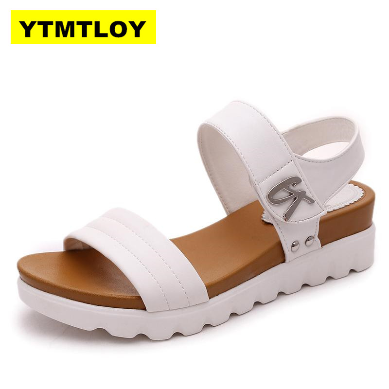 HOT Summer Gladiator Sandals Women Aged Leather Flat Fashion Women Shoes Casual Occasions Comfortable The Female Sandals 5CM