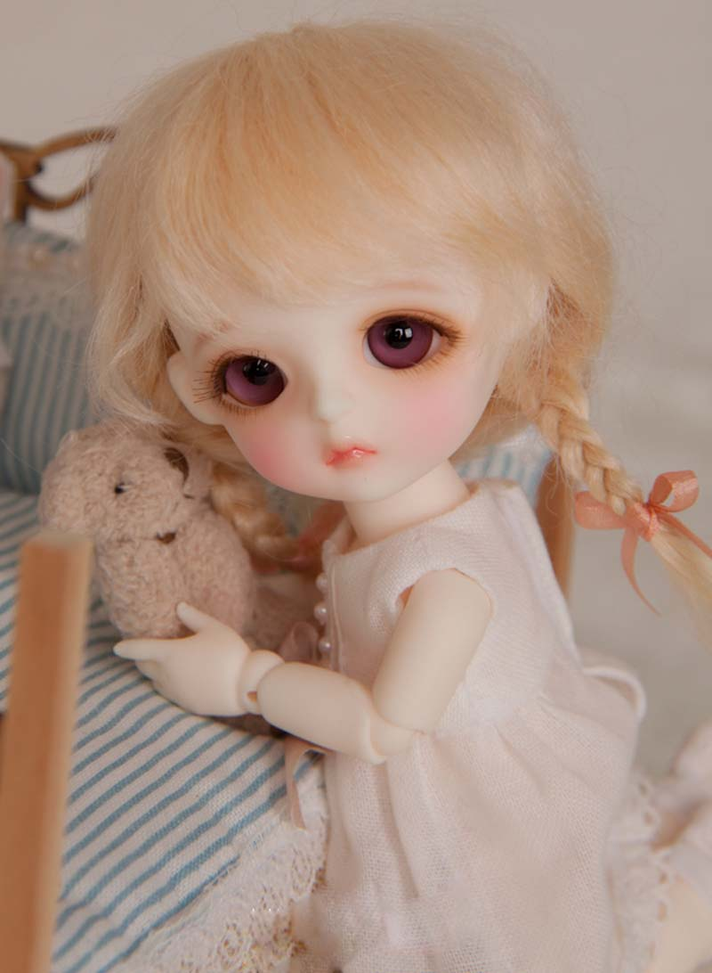 цена New Arrival 1/8 BJD Doll BJD/SD Fashion Cute Doll Include Eyes For Baby Girl Gift Free Shpping онлайн в 2017 году