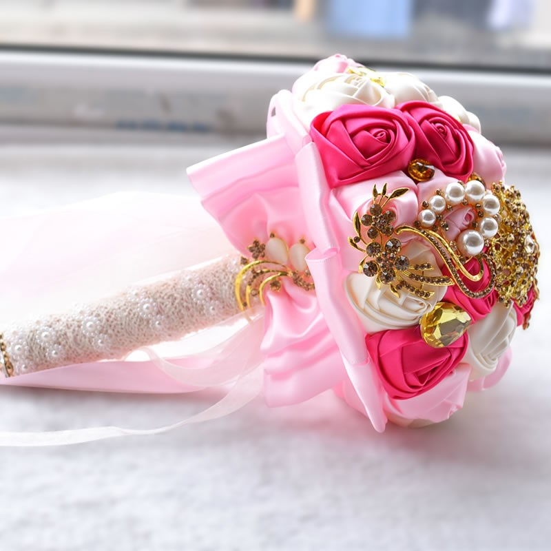 Hot-Gorgeous-Gold-Brooches-Wedding-Bouquet-Silk-Roses-Bridal-Bouquet-Rhinestones-Colorful-Bride-s-Bouquet-with (1)