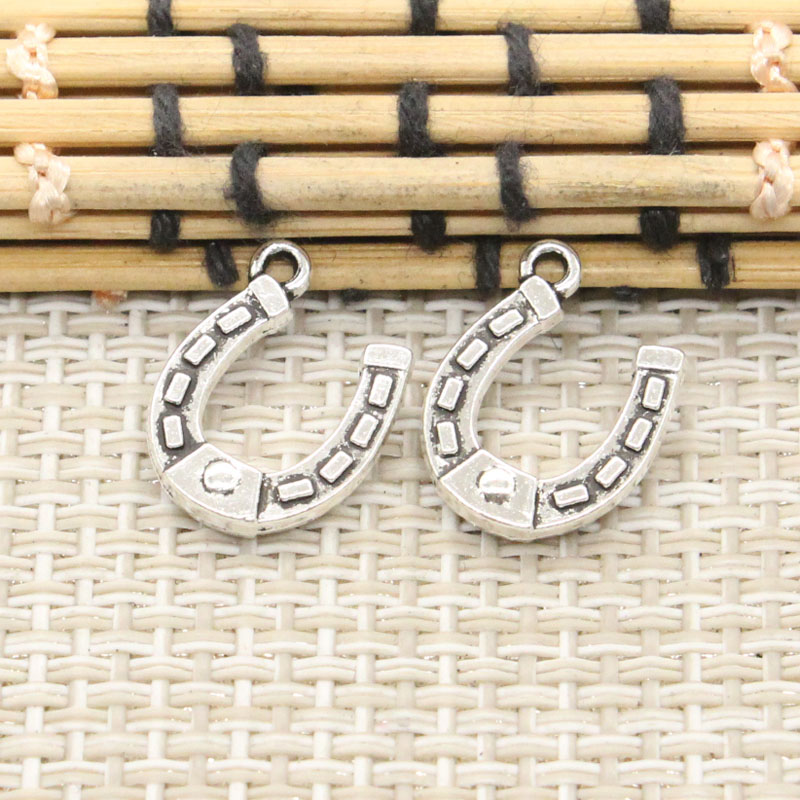 10pcs Charms lucky horseshoe horse 15*12mm Tibetan Silver Plated Pendants Antique Jewelry Making DIY Handmade Craft