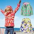 Ao ar livre Outono/Primavera Meninas Outerwear Bonito Imprimir Crianças Crianças Jaquetas para Meninas calças de Comprimento Total Revestimentos do Revestimento de Esportes Do Bebê Meninas topos