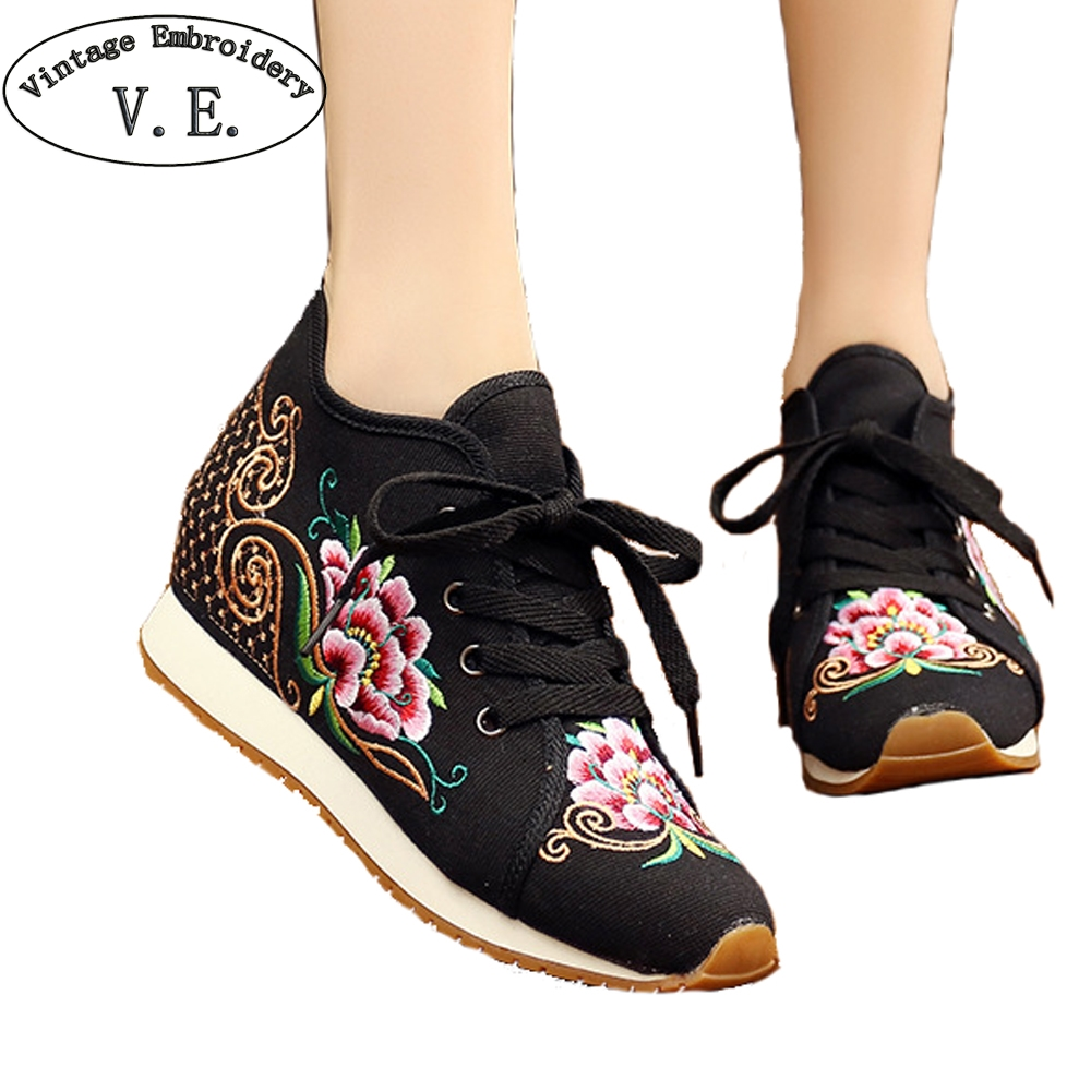 Chinese Ethnic Shoes Woman Sneakers Floral Embroidery Lace Up Casual Tenis Feminino Vintage Soft Women Flats Zapatillas Mujer floral embroidery lace up sneakers
