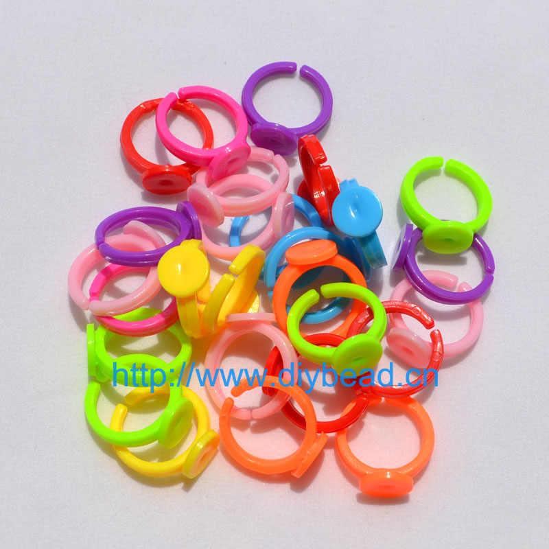 30 قطع 18 ملليمتر لون المزيج للتعديل خواتم البلاستيك شقة الوسادة أسس فراغات الصمغ كابوشون خواتم للأطفال مجوهرات جعل
