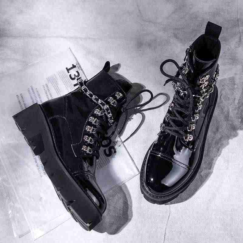 8d4179068f6 Krazing Pot vintage black color handsome pretty motorcycle boots rivets  metal chains round toe Winter neutral ankle boots L88