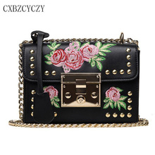 Фотография Women Messenger Bags Vintage Pu Leather Style  Handbag Ladie Casual Bolsas Button Embroidery Flower Small Bag Crossbody Bags