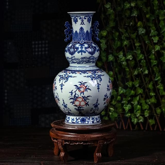 China Ceramics Carving Blue And White Porcelain Gourd Vase Decorate
