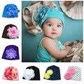 Nueva Lovely Baby Sombreros Gorros Beanie Sombrero Grande de la flor Del Caramelo muchachas Del Niño sombrero Infantil flor beanie sombrero gorro de Algodón