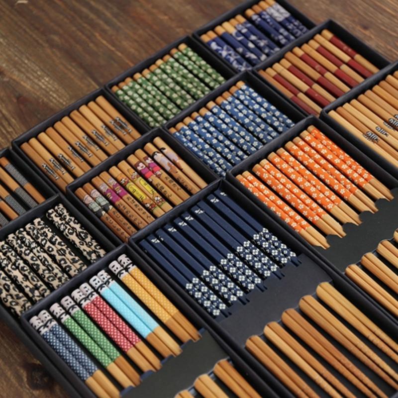 5 жұп жапон стилі Bamboo Chopsticks Суши-түлік Chopsticks Қытай стилі Басып шығару үлгісін Chopsticks Азық-түлік қораптары Сыйлық қорап