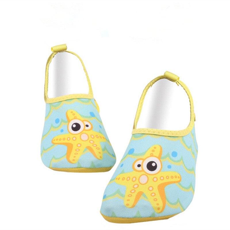 Мягкая подошва Детский мультфильм легкий подводного вождения пляжная обувь малыш открыта ...