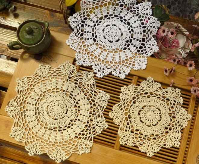 Crochet เสื่อตารางผ้าลูกไม้ผ้าฝ้ายเด็ก Placemat หม้อถ้วยผู้ถือเครื่องดื่ม coaster Pad doily โต๊ะครัวอุปกรณ์เสริม