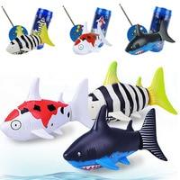 1 Unids Animal Divertido de Radio Control Remoto de Aire Tiburón del Vuelo del Agua juego de Radio Juguetes Para Niños Super Mini Tiburón Juguete Electrónico niños