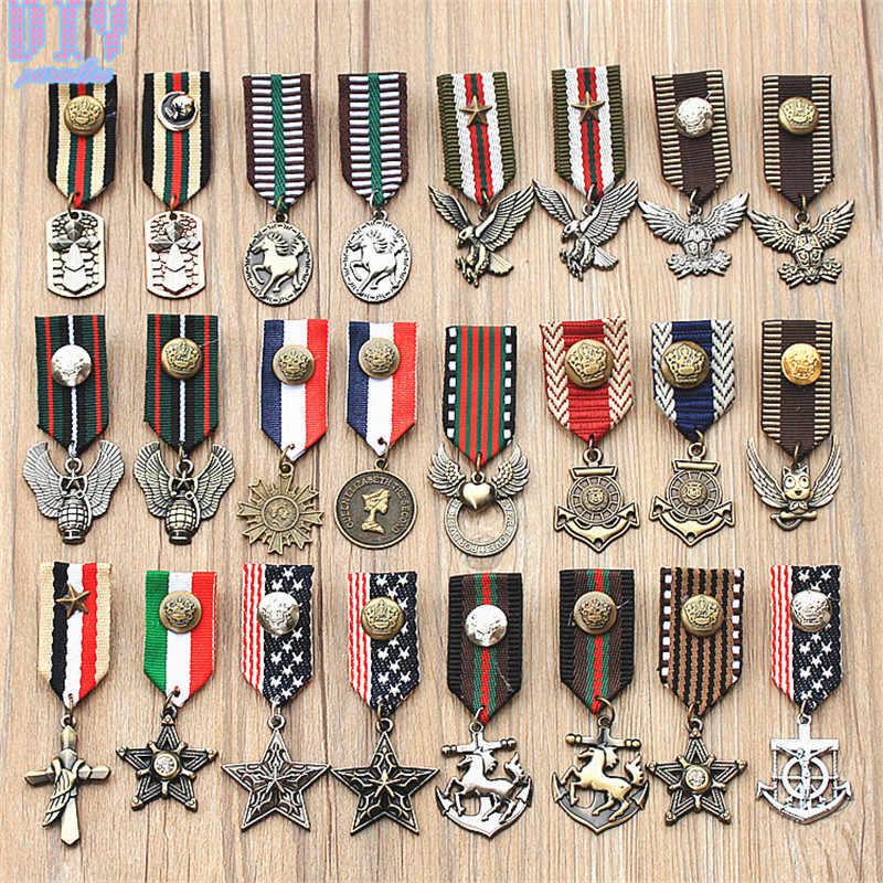 RUอังกฤษห้าดาวนกอินทรีม้าทหารป้ายโลหะR Etro F Abriคณะกรรมการไหล่ป้ายกองทัพขาonเข็มกลัดเหรียญที่ทำด้วยมือ