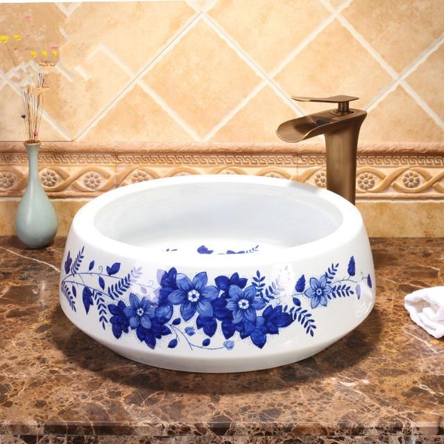 Blau und weiß Europa Stil Zähler Top porzellan waschbecken ...
