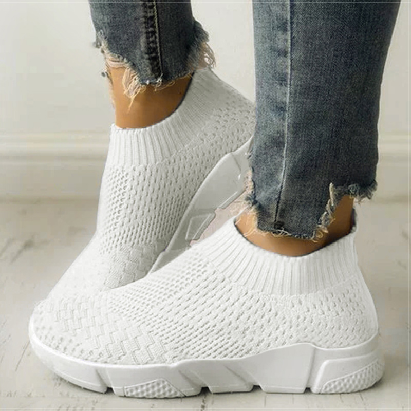 Women Shoes Slip On White Sneakers For Women Vulcanize Shoes Flyknit Basket Femme Super Light Women Casual Shoes Chunky Sneakers