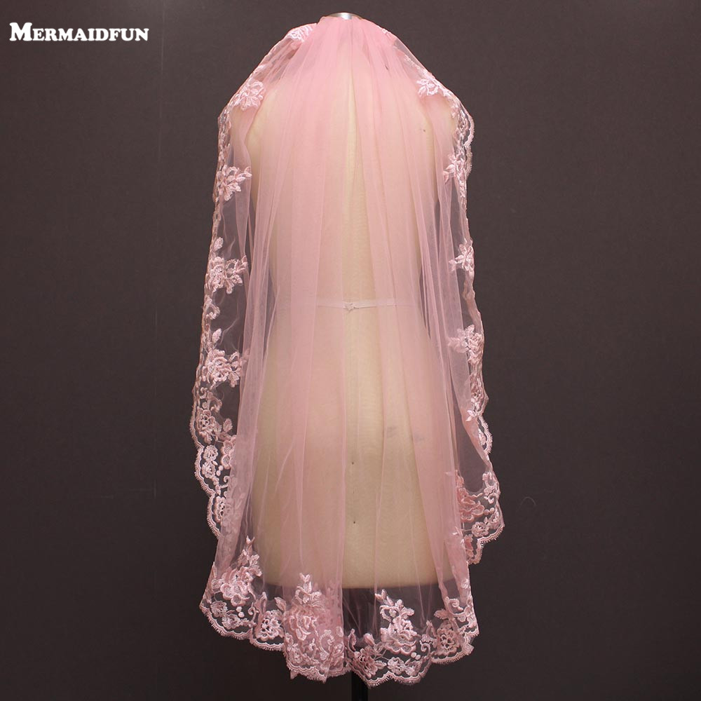 Real Photos One Layer Pink Lace Short Wedding Veil With Comb Beautiful 1 Meter Bridal Veil Voile De Mariee 100CM
