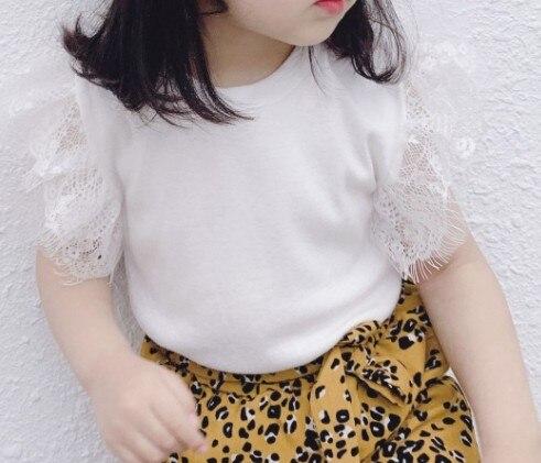 Топы для маленьких девочек; летняя хлопковая черная футболка для малышей с кружевными рукавами для детей - Цвет: Бежевый