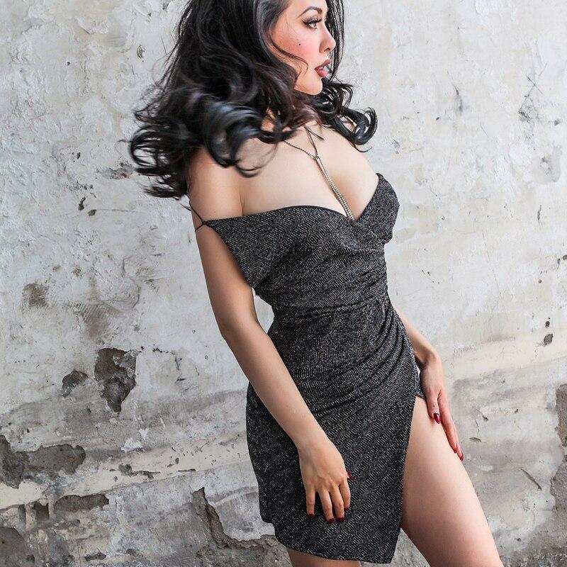 2017 été très Sexy dos nu robe brillant décoration taille basse plissé Type fines bretelles Spaghetti mince grande hauteur Cool tissu