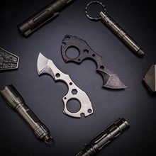 Outdoor multi-purpose EDC tools, portable mini cut rope opener, buttons, quick-hanging key chain, self-defense tools.(China)