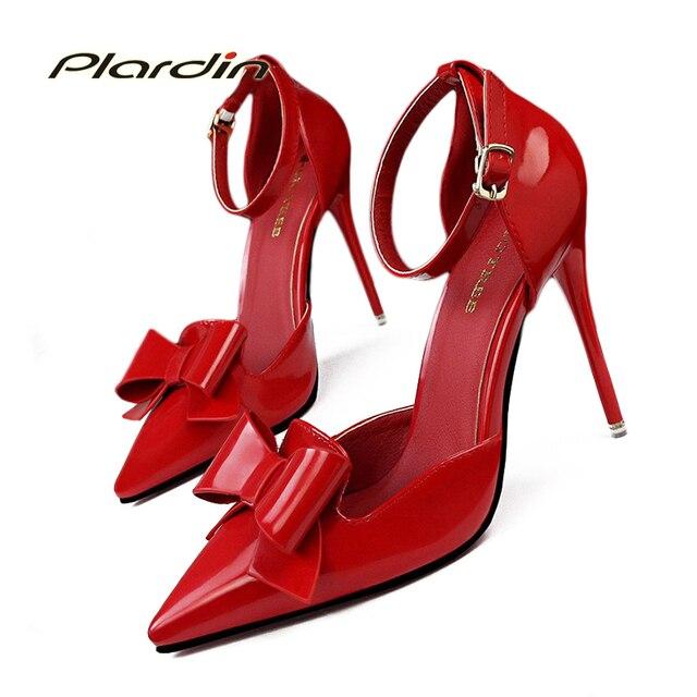 2017 Sapatos Mulher Doce Bowtie Dedo Apontado Sexy Mulheres Do Partido Boca Rasa Lado Oco Cinta Fivela Mulheres Sapatos de Salto Alto