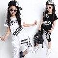 Verão Crianças Conjuntos de Roupas de Estilo Hip Hop Meninos Meninas Moda Casual 2 pcs Ternos Camiseta + Calça Harém Capris Roupa dos miúdos Twinset