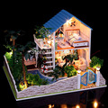 13832 Hongda large hongda diy wooden dollhouse miniature villa doll house LED lights miniatures for decoration toys girls
