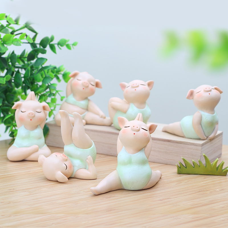 Mini Cute Pig Girl Yoga Posture Statue Piglet Resin Sculpture Decoration Ornament Home Office Store Desk Gift Party Decor