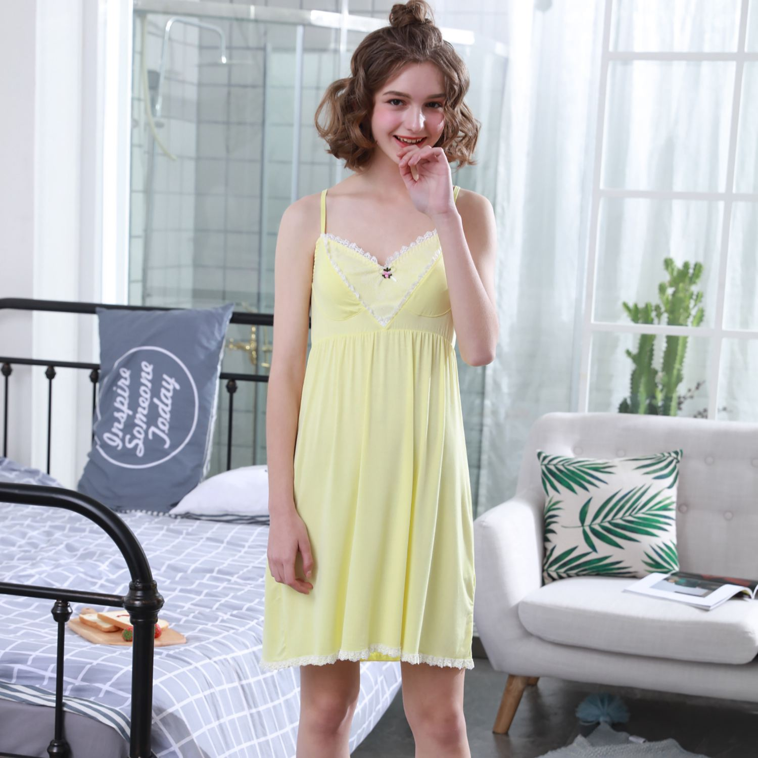Summer Lady Comfort Lace Sexy Lace V Collar Slim Fitting Nightwear