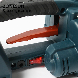 Image 3 - ZONESUN מכונת 13mm 16mm PET/ PP פלסטיק רצועות סוללה מופעל 4.0A/12V ג וינט גלישת מכונת עם 2 סוללות
