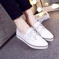 2016 весной новые ботинки глубоко рот толстая корка кожаные ботинки мокасины плоские туфли отметил кружевные туфли женщины белый