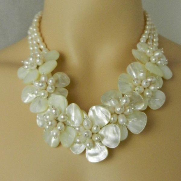 Beautiful Natural FW Pearl Flower Necklace White MOP Shell Bridal Wedding Jewelry Handwired with 0.925 Sterling Silver PN22