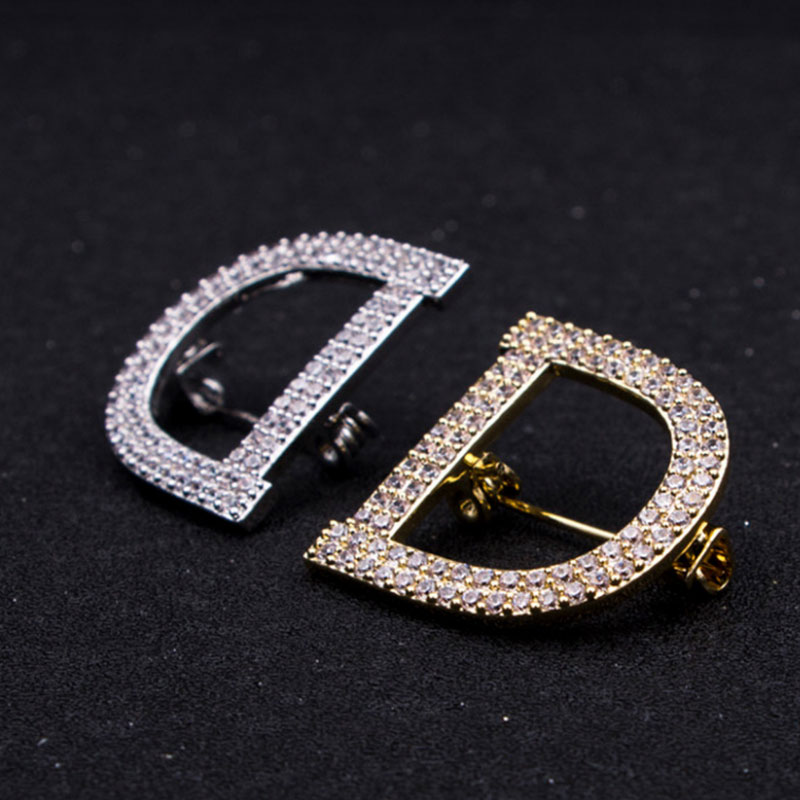 New Letter Full Rhinestone Lapel Pins jewlery Broche Strass Brooches Party Jewelry Fashion Women in Brooches from Jewelry Accessories