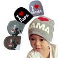 Sombreros del bebé Recién Nacido Niños Sombreros 2016 Algodón Kids Beanie Fotografía accesorios Trajes de Bebé de Punto Amo MAMÁ/PAPÁ de los Casquillos Del Bebé niños
