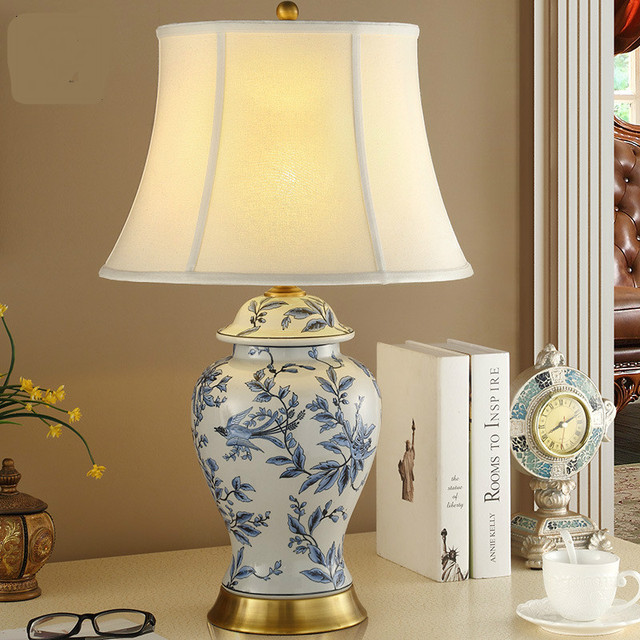 High End Chinese Blue And White Porcelain Vase Design Linen E27 Dimmiable Table  Lamp For Study