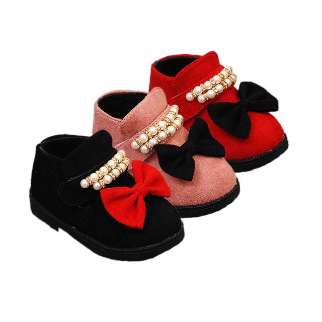 Lindo causal botas para la nieve niña zapatos bowtie de la perla estilo Europeo zapatos para 1-3yrs bebé recién nacido infantil del niño patea los zapatos