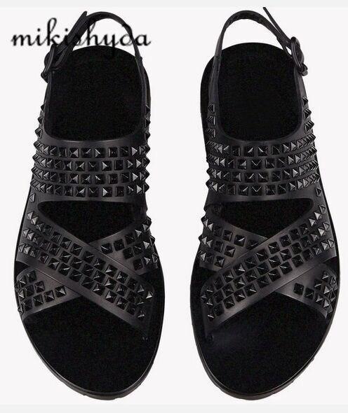Eurooppalainen tyyli miehet aito nahka kengät sandaalit avoin varvas ranta kengät mies nastoitettu solki sandaalit mies asunnot kesä kenkä