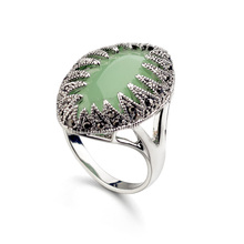 Real Austrian Crystals Classic Vintage pattern  White Gold Color Fashion Rings For women New 10350Green