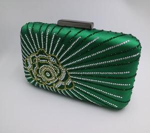 Image 2 - Новинка, темно зеленая/фиолетовая большая атласная коробка для шелка, клатч и вечерние сумки с цветами для женщин, вечерние свадебные платья для выпускного вечера