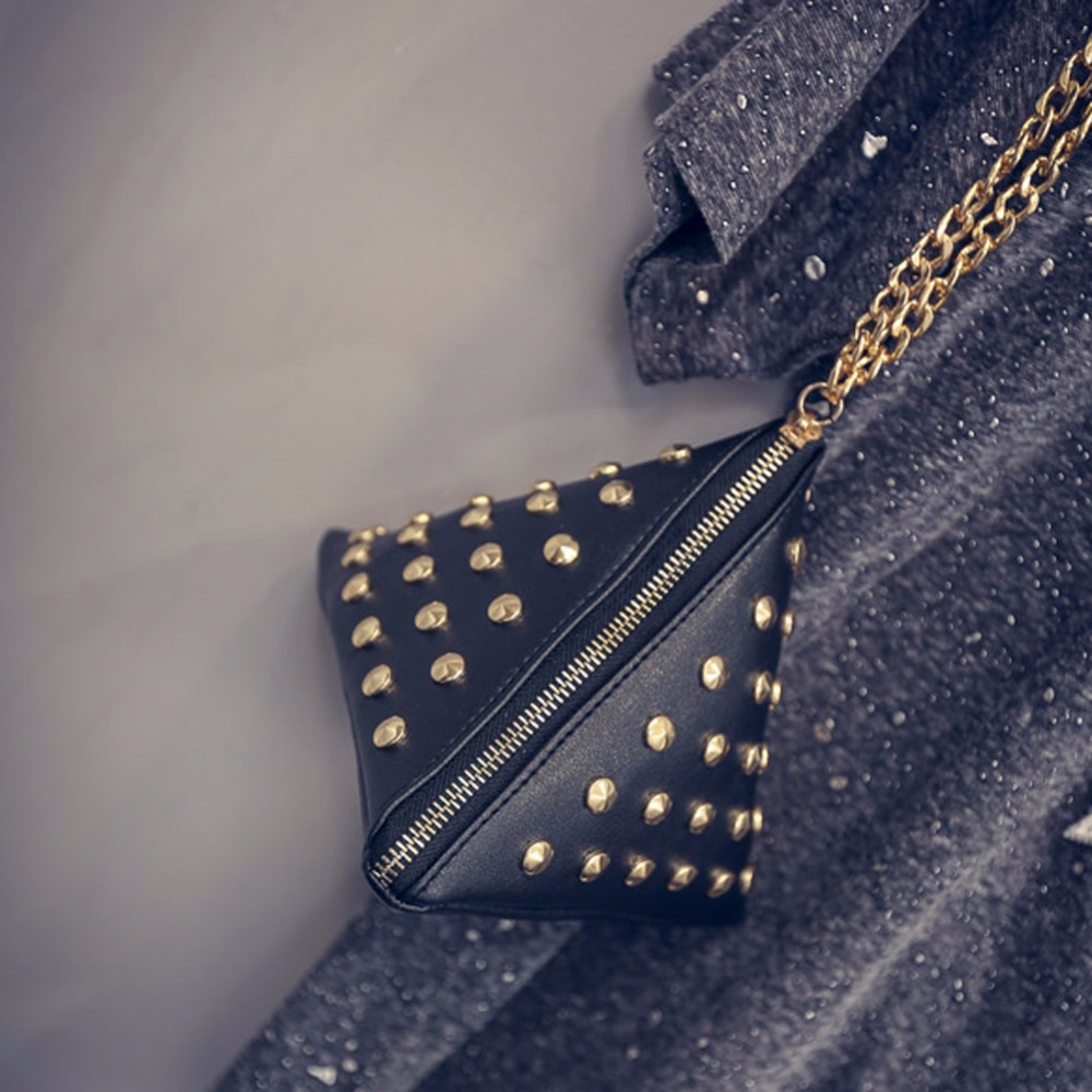 Rivet Women Bags Triangle Design Brands Vintage Shoulder Bag 2017 Summer Fashion Women Messenger Bags Rivet  Bolsos Bolsas