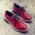 Нежный Кисточкой Грубой Пятки Красный Лакированная Кожа Акцентом Обувь Британских Женщин Оксфорды Плоские Туфли Модный Бренд Женские Ботинки