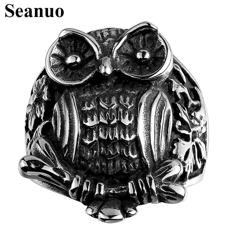 owl carrying wedding rings owl wedding ring Owl Ring Bearer S D Falconry