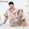 BabYoung 2017 Primavera Verão New Mens Sexy Pijama de Seda de Duas Peças Com Decote Em V manga Curta Pijama Sleepshirt Longo Calça Masculina Hombre