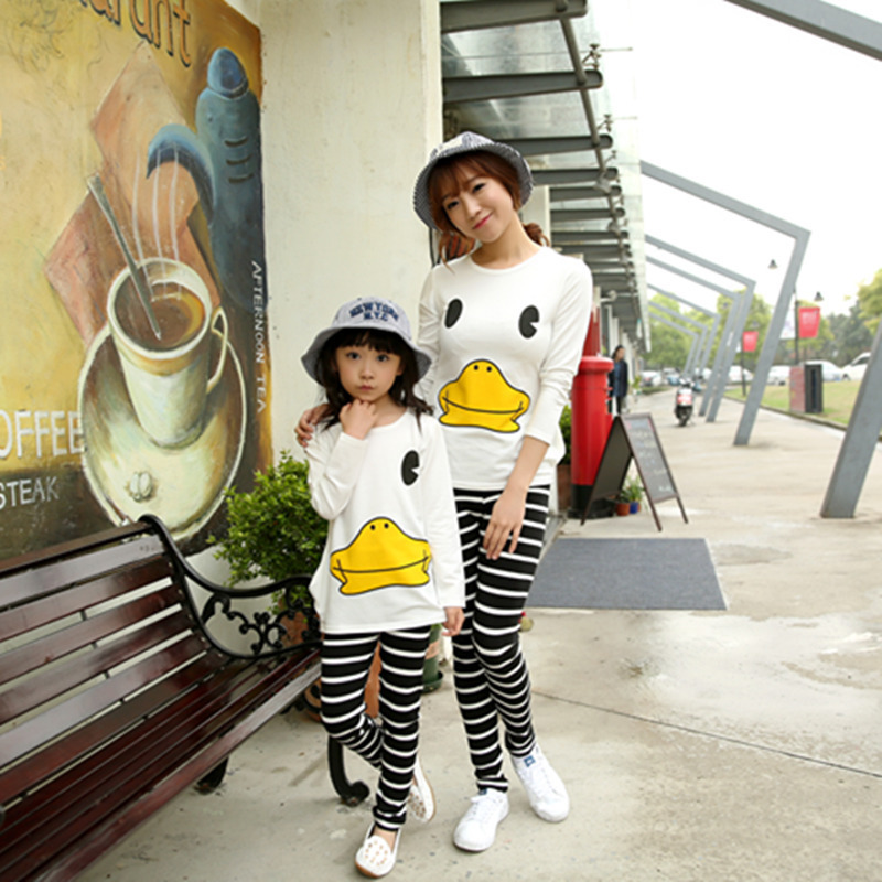 ФОТО Girls Duck Children and Mother Two Pieces Clothing Sets Kids Stripe Cartoon Suits