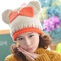 Очень мило кошка уголок контрастного цвета с бантом зима женщины вязаная шапка леди чисто ручной осень вязание шапочки лыжную шапочку с дрель