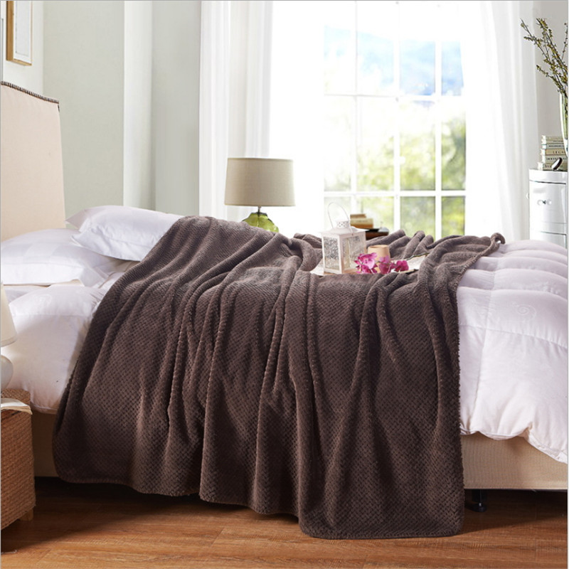 Deluxe plain flannel leisure blanket/plain color nap blanket/child adult hood blanket size 150 * 200cm free shipping