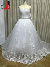 New White Plus Size Wedding Dresses 2017 Ball Gown Tulle with Lace Appliques Bridal Gown with Crystal Belt Vestido de noiva