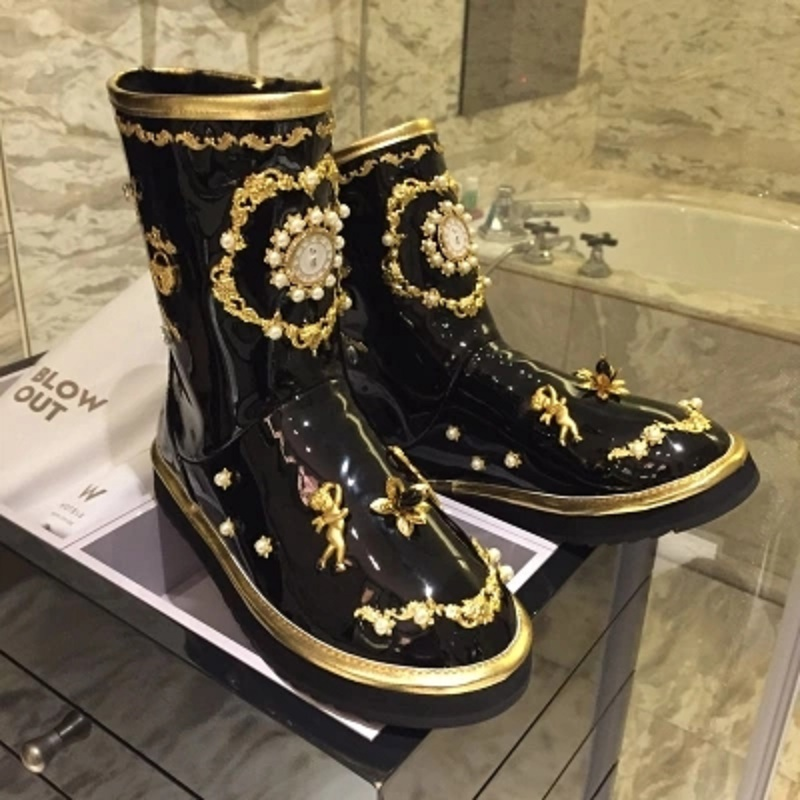 Women's shoes winter 2018 new snow boots fur one-piece boots winter plus velvet embroidery