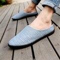Los hombres de Lino Transpirable Suela Blanda Planos Del Talón Mocasines de Verano de Conducción Resbalón En los Zapatos Casuales de Primavera Abierta Talón Planos Masculinos