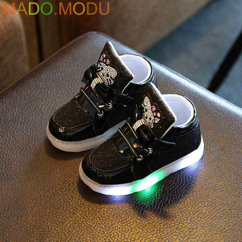 Kids-Casual-Lighted-Shoes-2017-New-Brand-Girls-Glowing-Sneakers-Children-KT-Cats-Shoes-With-Led-Light-for-Baby-Girl-Lovely-Boots-4
