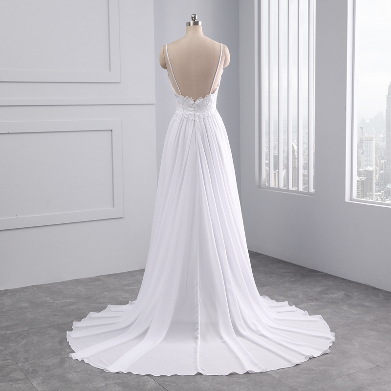 Beautiful Sleeveless Appliques Lace Pearls Beach Scalloped Wedding Dress