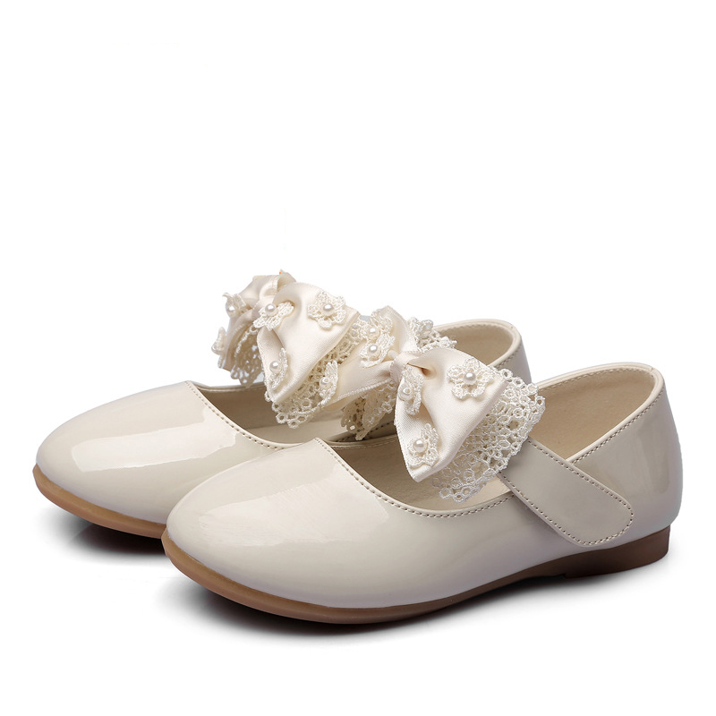 Fashion Genuine leather Lovely children sandals cute hot sales girls shoes hot sales butterfly shoes kids cute noble footwear new lovely cartoon fashion children boots zip all seasons cute unisex girls shoes hot sales elegant beautiful shoes kids